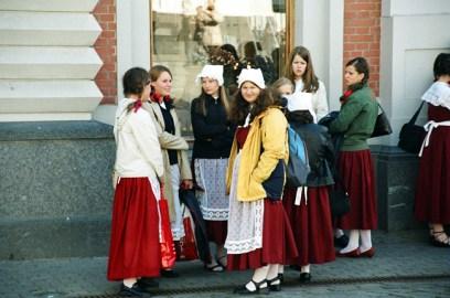 Moças em Riga, Letônia, Europa Oriental