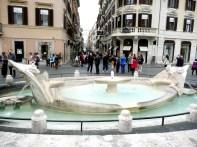 Fonte, Piazza di Spagna, Roma