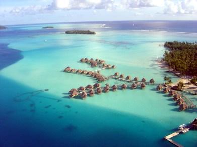 A laguna de Bora Bora vista do alto