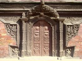 Porta trabalhada em bronze, Patan, Nepal