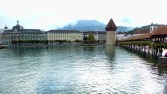 Panorâmica da Kapellbrücke (ponte da capela) e Torre de Água