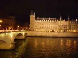 Paris, Conciergerie à noite