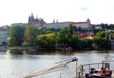 Rio Vltava, vista do castelo de Praga