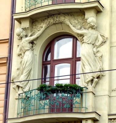 Rua de Praga, detalhes art-déco de um imóvel