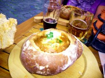 Sopa no pão em Praga