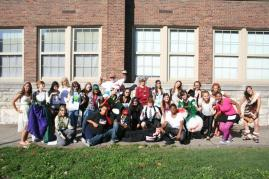The Red2 Desktop Publishing class take a picture in the courtyard. Photo by Miracle Stewart.