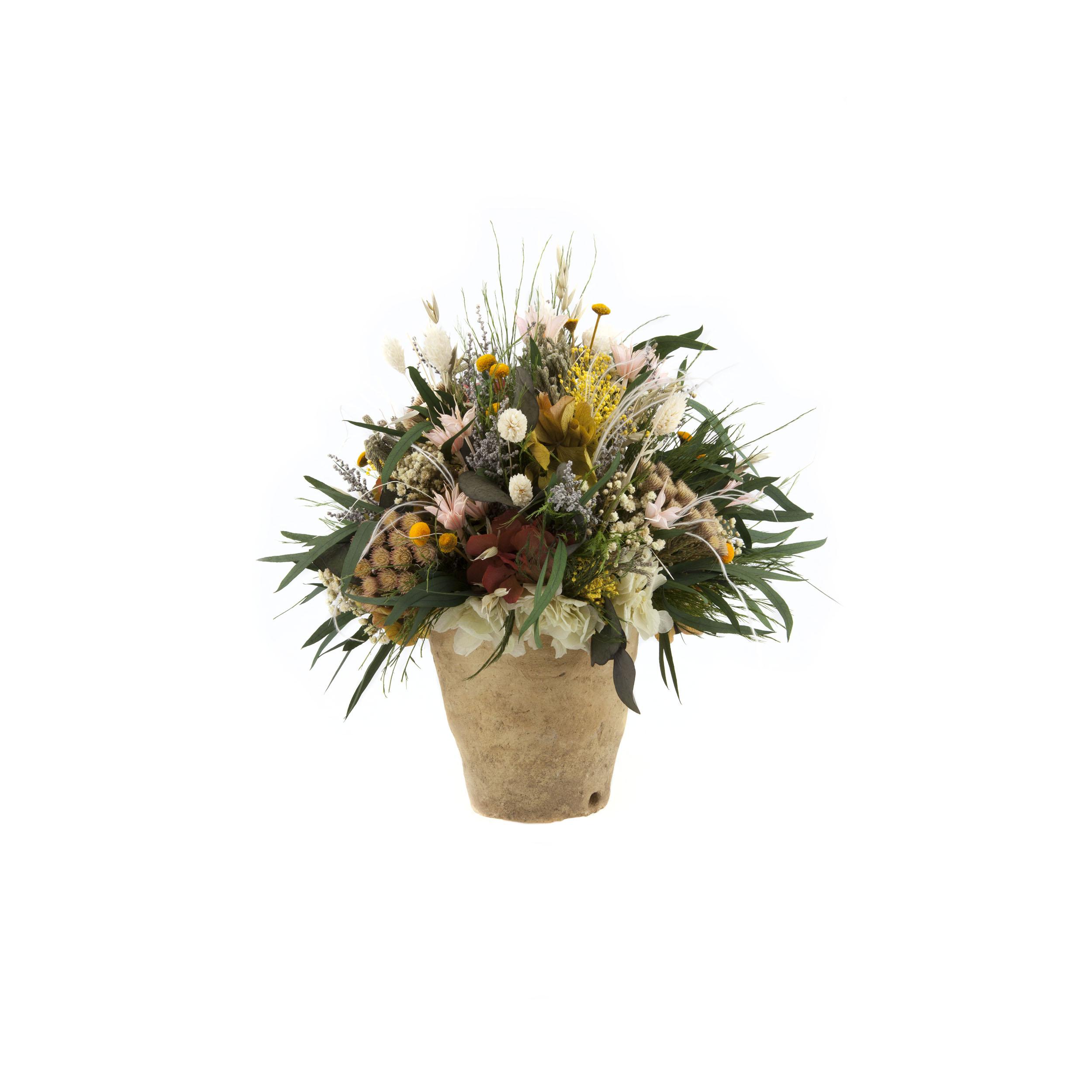 Maceta con flores preservadas
