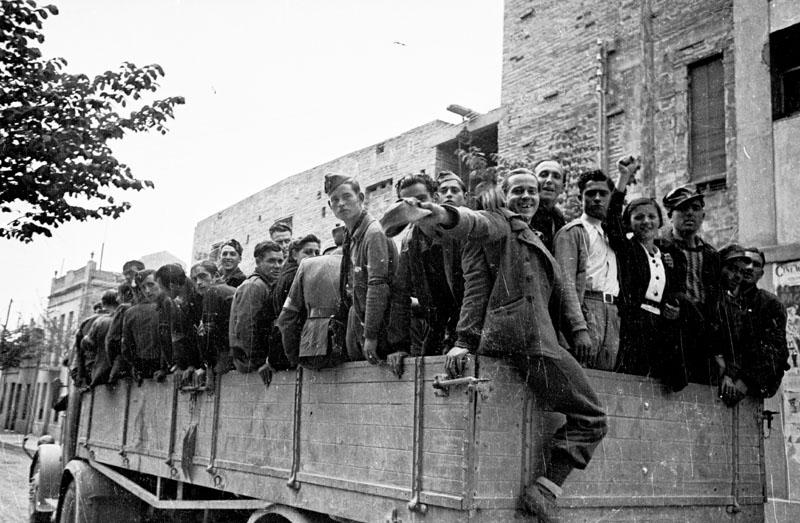 Associated Press publica los vídeos de la Guerra Civil Española ...