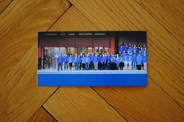 fastlog-Karte, Rückseite mit Gruppenbild gefaltet