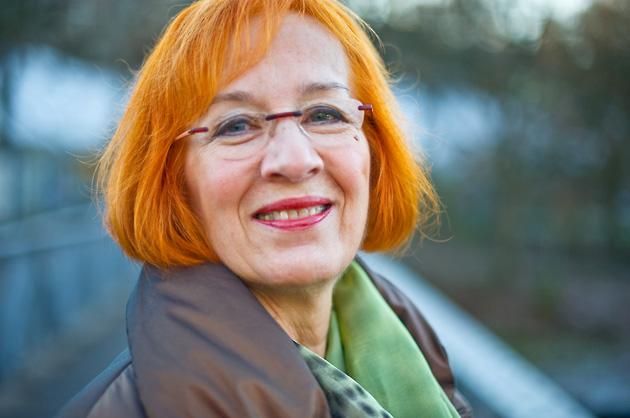 Portrait-Fotografie, Sylvia auf dem Schönausteg in Bern