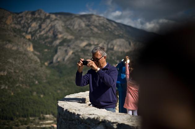 Guadalest – Tourist beim Fotografieren fotografiert