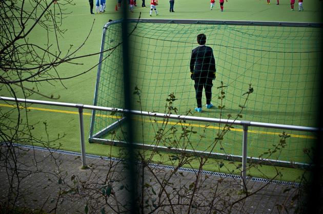 Berlin, Junge im Fussball-Tor