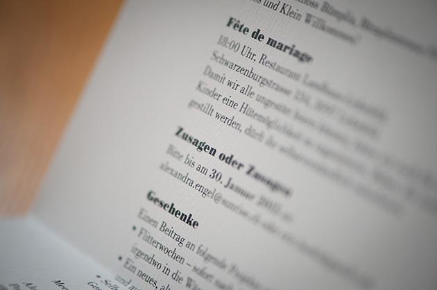 Detail mit Text in der Schrift Bodoni