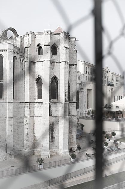 Ausblick vom Elevador de Santa Justa auf die Kirche