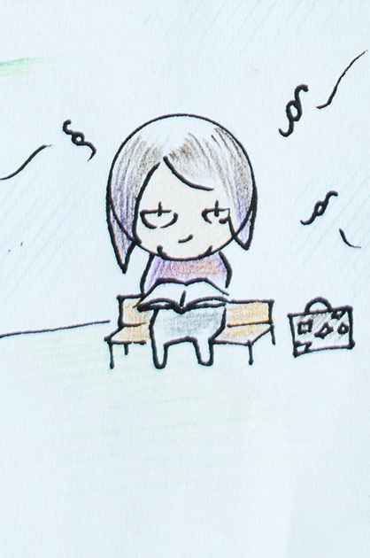 Illustration KiTa. Buch lesende Frau mit fliegenden Paragrafen-Zeichen und einem Reisekoffer