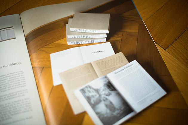 Broschüre manuele; Bildausschnitt aus der Doppelseite über das Murifeldbuch