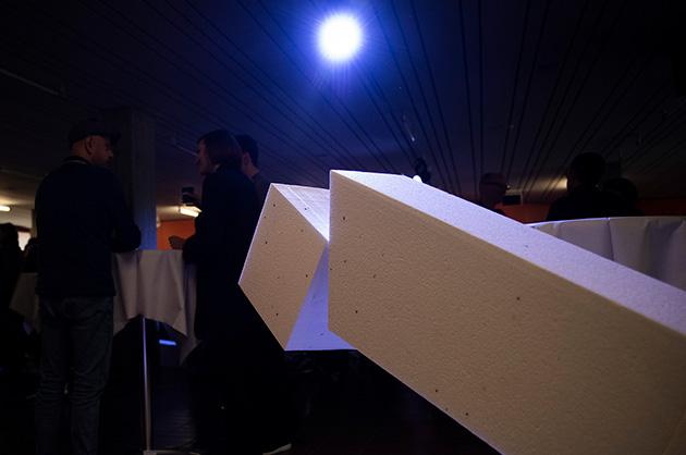 Tÿpo St. Gallen 2019: Teilnehmende am Apéro beim Austausch