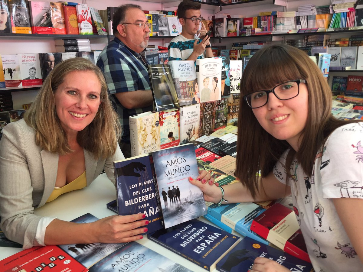 cristina martin jimenez feria del libro de madrid 2017 con May Rodriguez @MayRM1