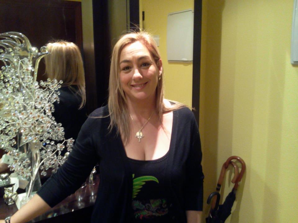 Elena Cruz Buznego