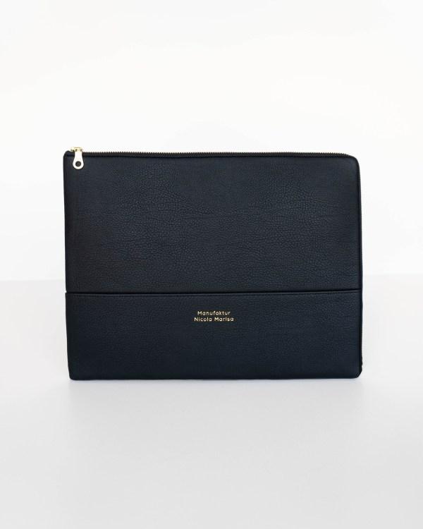 Laptophülle PURE BLACK veganes Leder made in Germany MAcbook Air 13 zoll 14 zoll 15 zoll Manufaktur Nicola Marisa