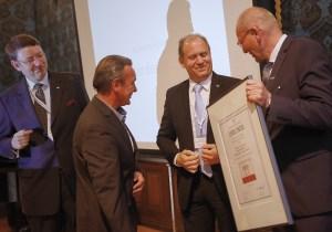 """Manufakturen-Blog: Freiherr von Poschinger Glasmanufaktur erhält die Auszeichnung zur """"Manufaktur des Jahres 2016"""" in Wolfach (Foto: Deutsche Manufakturen e. V./Michael Bode)"""