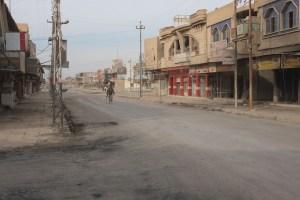 Manufakturen-Blog: Der überwiegend von irakischen Christen bewohnte Ort Qaraqosh war mehr als zwei Jahre lang in der Hand des IS und wurde zu Beginn der Offensive zurückerobert. (Foto: Martin Specht)