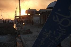 Manufakturen-Blog: Irak. Mossul-Offensive 2016. Die Ölquellen brennen - das Leben muss sich normalisieren. (Foto: Martin Specht)