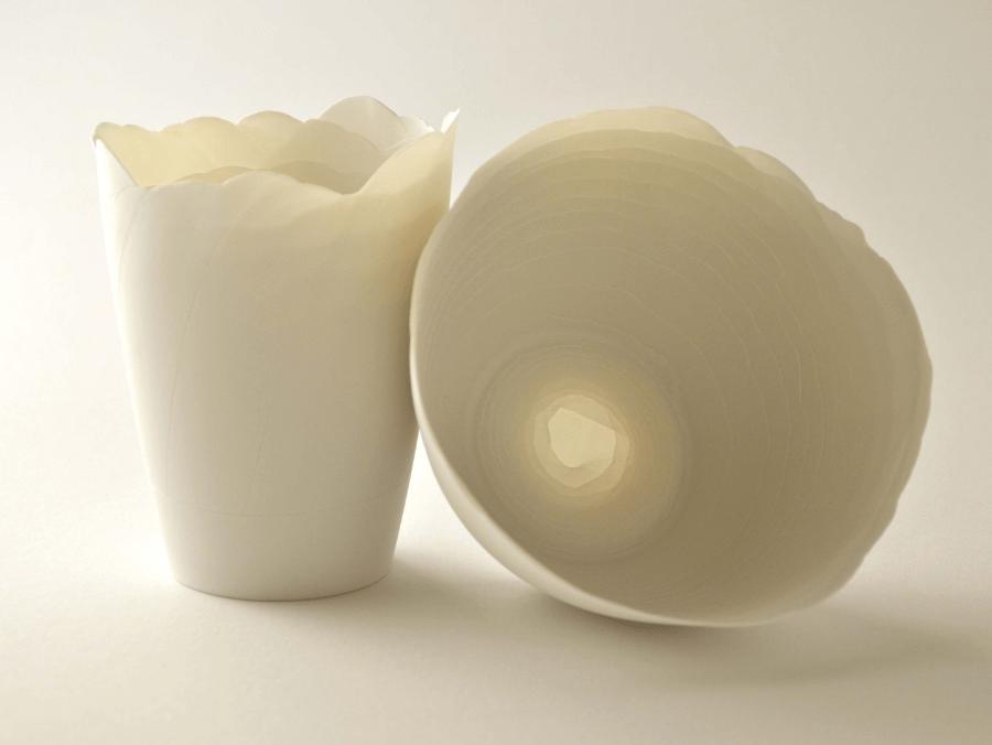 Manufakturen-Blog: Windlichter 'im Fluss' - mehrschichtig aufgebautes Porzellan aus der Edition Pia Sommerlad (Foto: Höchster Porzellanmanufaktur)