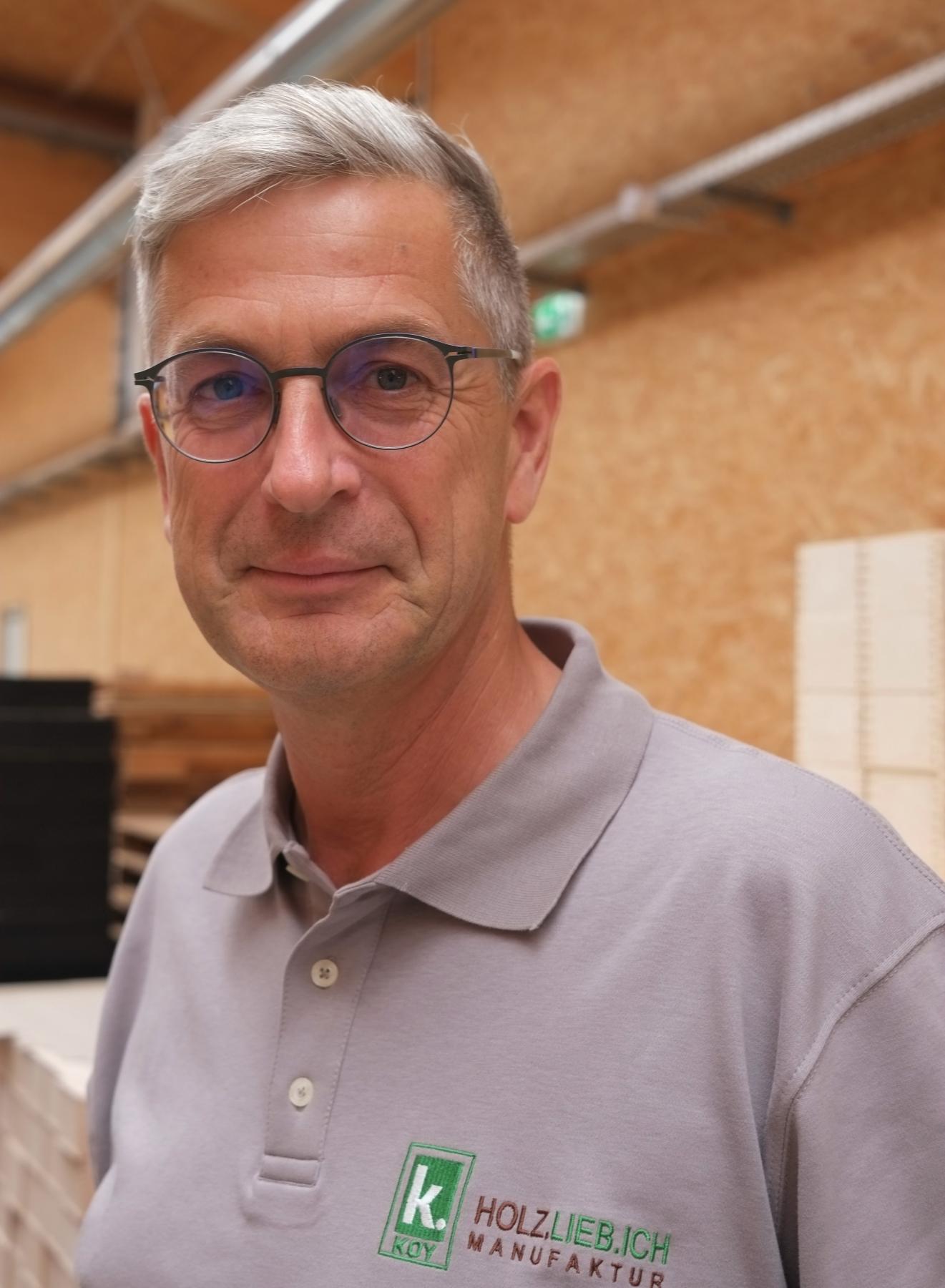 Manufakturen-Blog: Thomas Koy hat sein berufliches Leben der Holzmanufaktur Holz.lieb.ich und deren Weiterentwicklung verschrieben (Foto: Martin Specht)