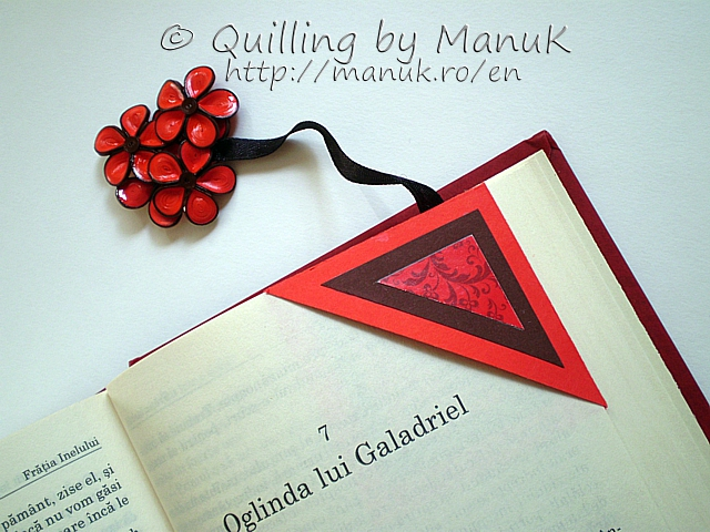 Corner Bookmark with Quilled Flowers