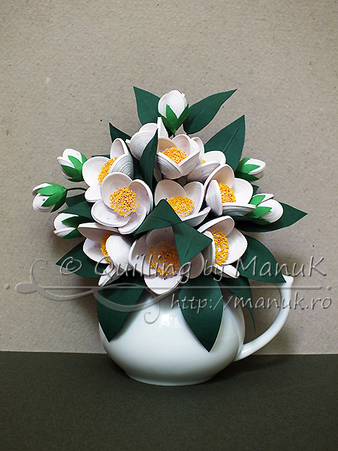 Quilled Jasmine Flowers Bouquet in a Vase – A Cluster of Fragrant Flowers
