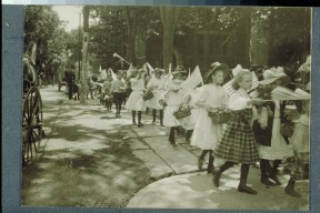 Children parade en route to a cemetery, Memorial Day, Hartford, 1909 CHS X.2000.28.3 (CD 0533 img 0039)