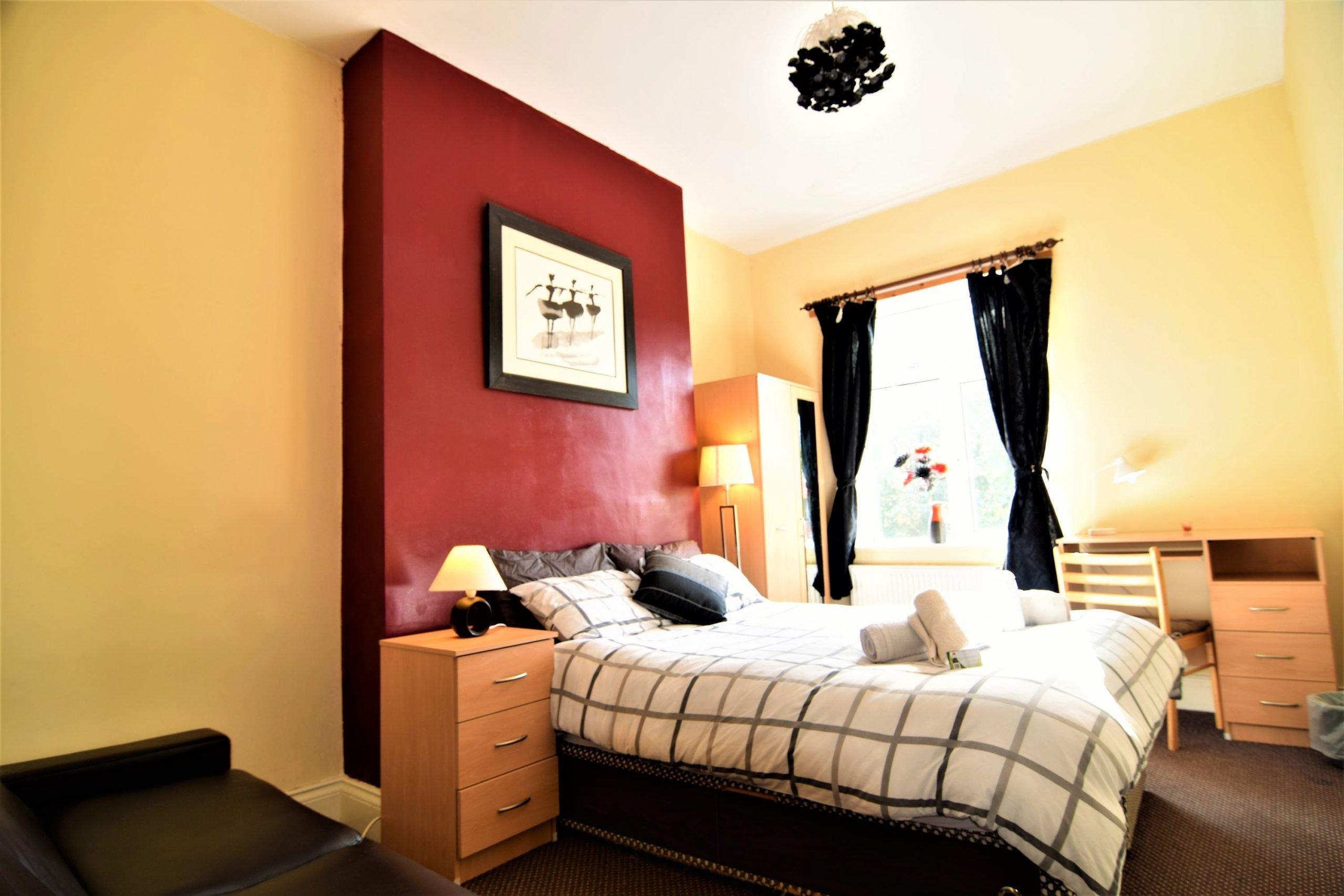 upstairs-4-triple-room-manus-place-4