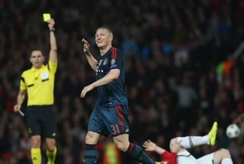 Schweinsteiger gets sent off for his second yellow