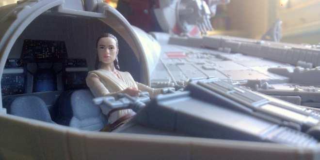 Rey pilots millennium falcon, Hasbro, wheresrey