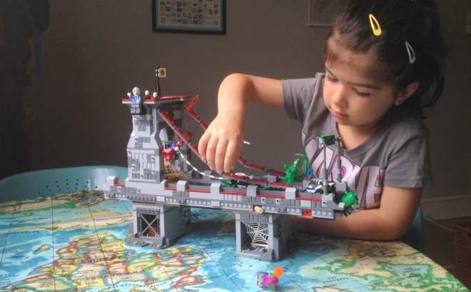 LEGO Marvel Superheroes Spider-Man Web Warriors Ultimate Bridge Battle 76057