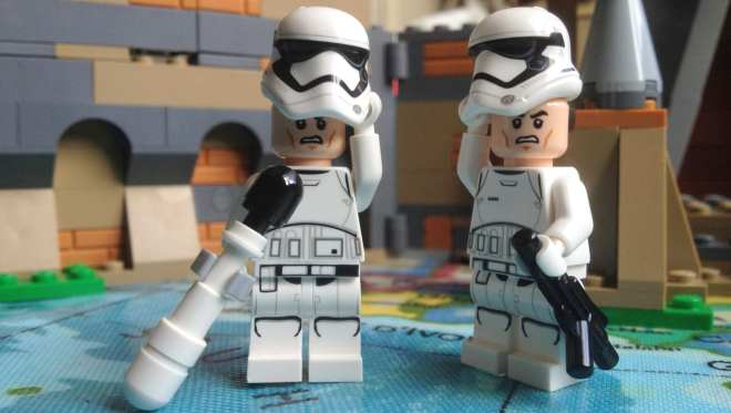LEGO Star Wars- Battle on Takodana (75139) Stormtrooper minifigures without helmets