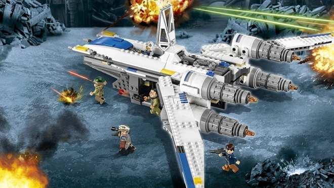 lego-star-wars-rogue-one-rebel-u-wing-fighter-set-75155-in-action