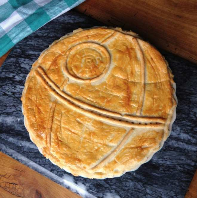 Death Star pie, Star Wars pie, Star Wars food, Star Wars party food