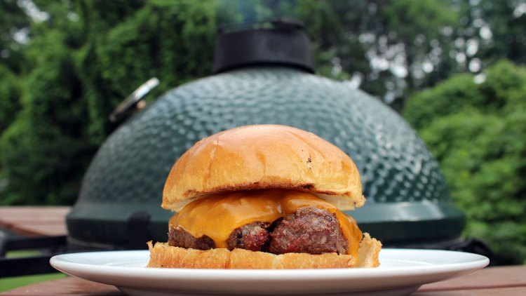 Grilled Cheeseburgers on the Big Green Egg