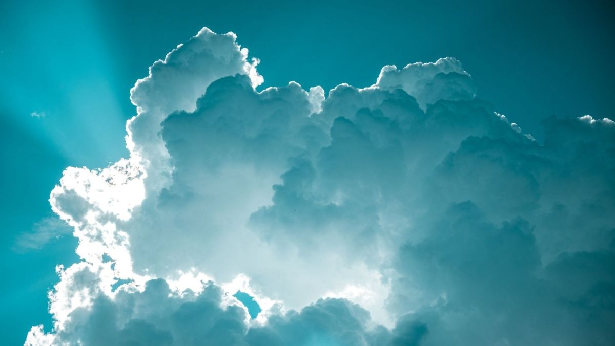 How to talk about the weather in English How to Talk about Cloudy Weather in English