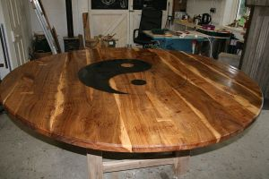 simon-capelen-elm-table