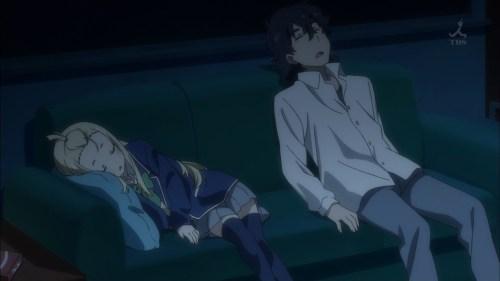 寝るコレットと部長