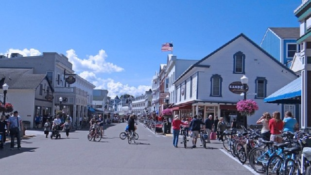 mackinac island weekend getaway