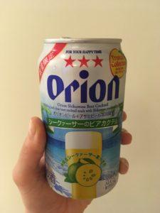 沖縄のホテルで飲むビール
