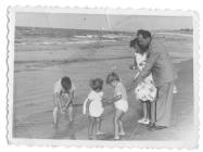 Rodzina Błaszczyków nad morzem.