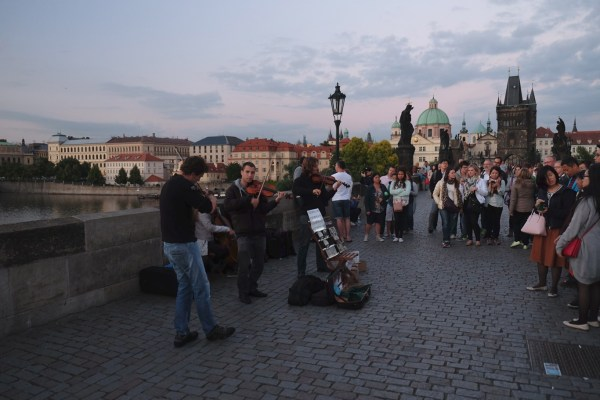 Offbeat Prague: Crowds while crossing the Charles Bridge