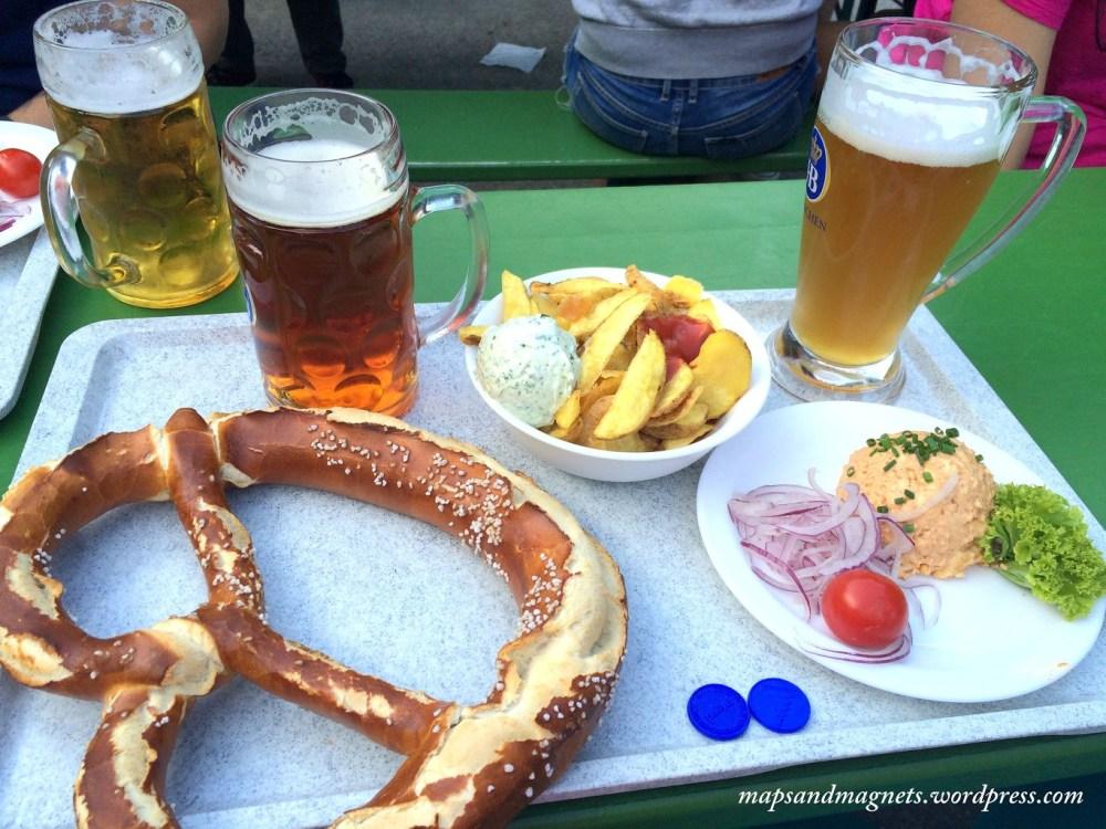 Offbeat Munich: Classic vegetarian Bavarian meal at the beergarden