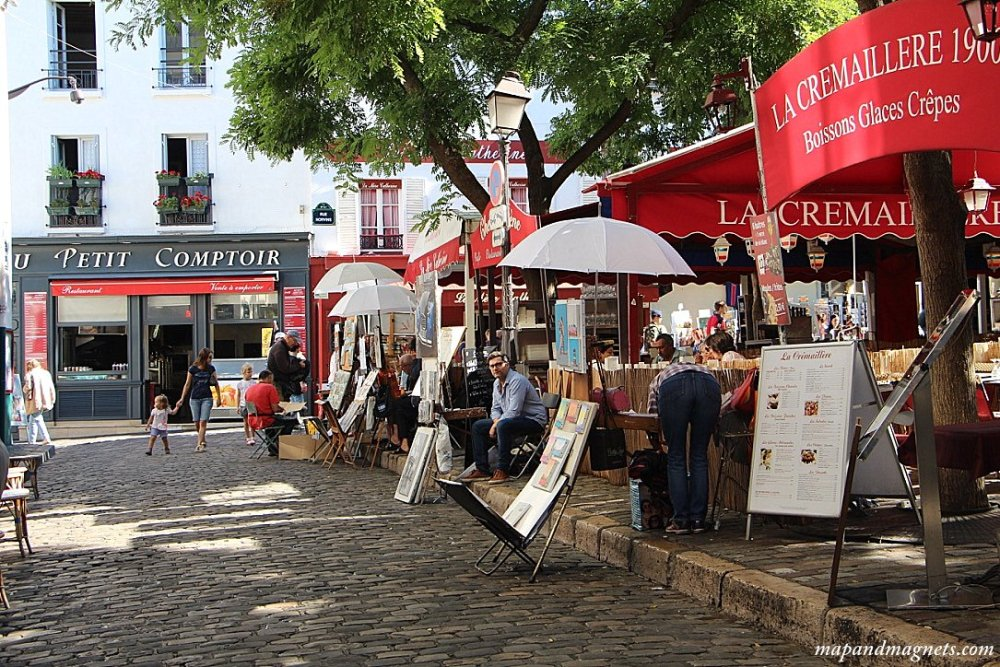 artists-square-montmartre-paris