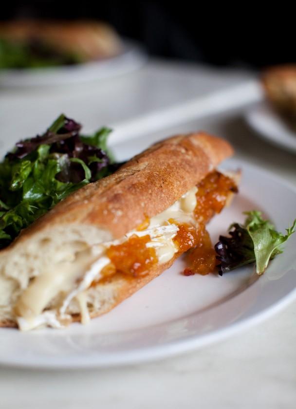 Petite-Jacqueline-Sandwich-au-Fromage